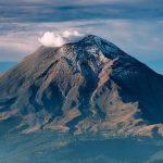 La Mujer Dormida y el cerro Popocatepetl