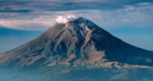 La Mujer Dormida y el Popocatépetl