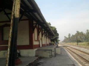 La estación de trenes de Cuyutlán, Colima.
