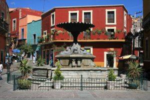 La hermosa Plaza del Baratillo en Gunajuato