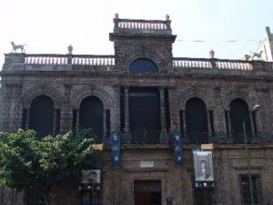 La Casa de los Perros en Guadalajara, hoy Museo del Periodismo.
