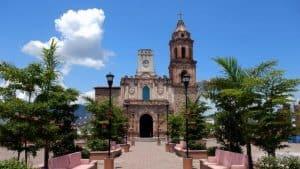 La iglesia de Huetamo.